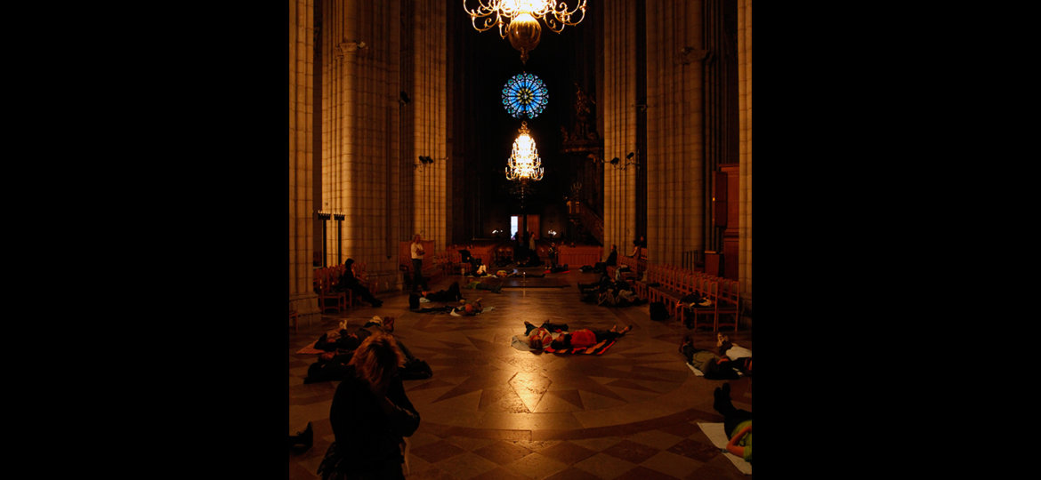 Gracing Space - Live feed at Friktioner Performance Festival at Uppsala Domkyrka. - Mari Kretz