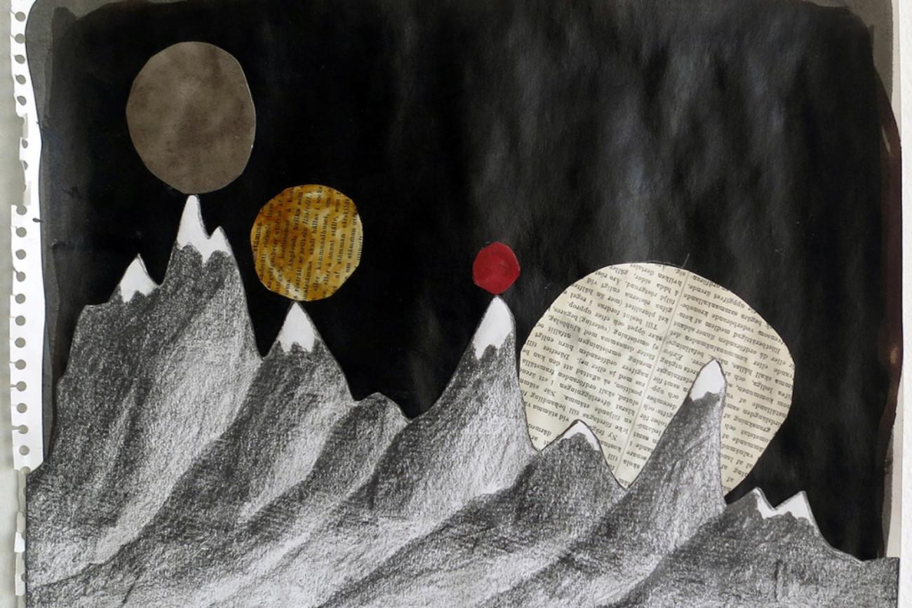 And moons rested on its journey - Collage av Mari Kretz