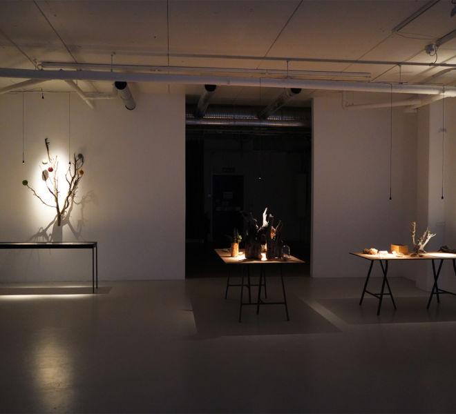 Universum, Betraktelser, Tingens bord I / The table of things I - Mari Kretz